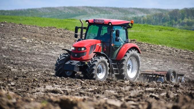 tractor-romania.jpg